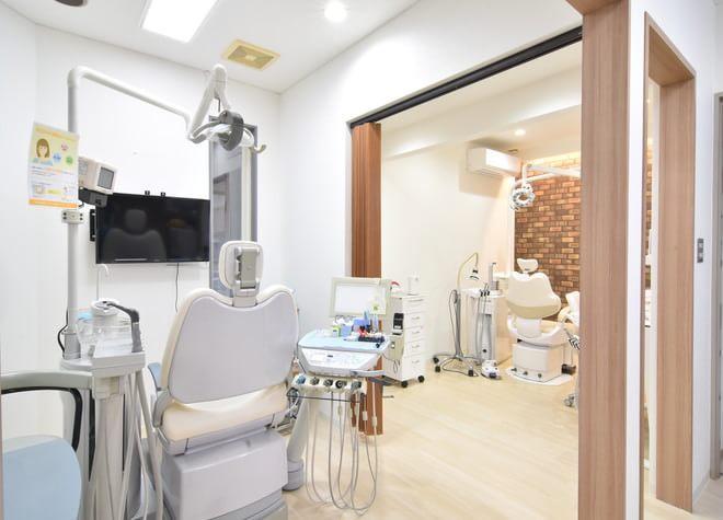 天童駅 東出口徒歩18分 とがし歯科医院の治療台写真3