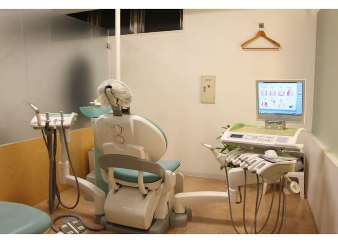 薬院大通駅 出口徒歩 3分 ひろ歯科クリニックの治療台写真2