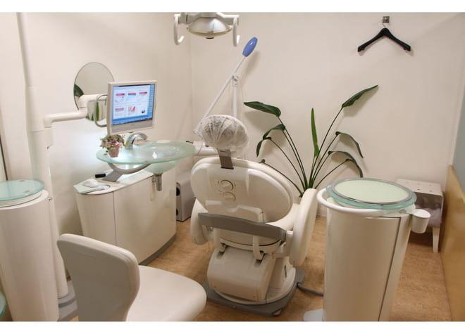 薬院大通駅 出口徒歩 3分 ひろ歯科クリニックの治療台写真3