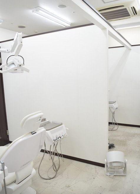 【神戸市:名谷駅 駅ビル内2F 徒歩1分】 名谷ステーションデンタルの治療台写真4