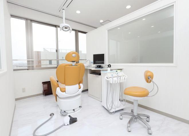 横浜駅 出口徒歩 8分 鶴見歯科医院の治療台写真4
