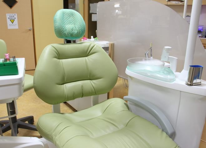 西葛西駅 北口徒歩 9分 西葛西ファミリー歯科の治療台写真2