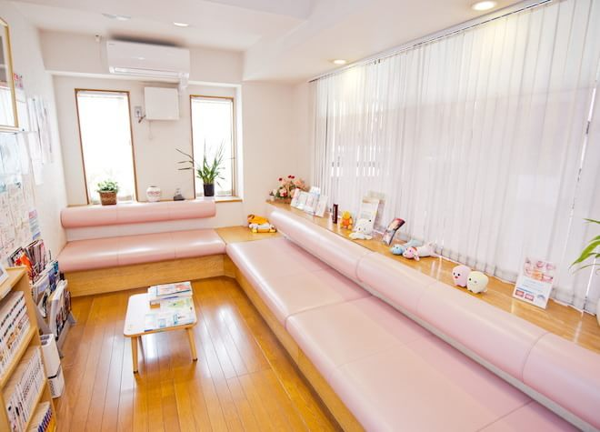 小平駅 南口徒歩 4分 高村歯科医院の待合室の風景写真3