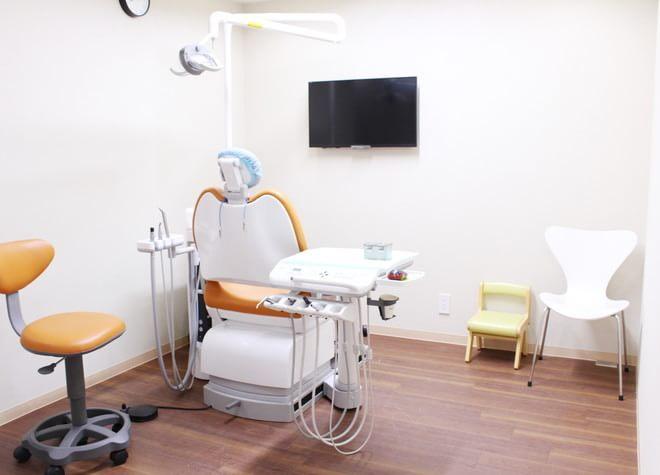 ひばりヶ丘駅 出入口2徒歩 3分 よつば歯科クリニックの治療台写真5