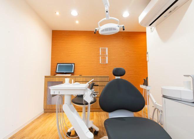用賀駅 東口徒歩 7分 上用賀歯科の治療台写真2