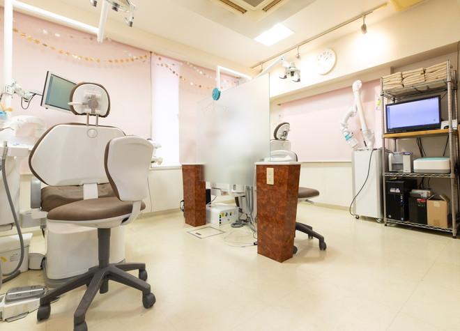 新橋駅 烏森口徒歩 5分 新橋赤レンガ通り歯科クリニックの治療台写真2