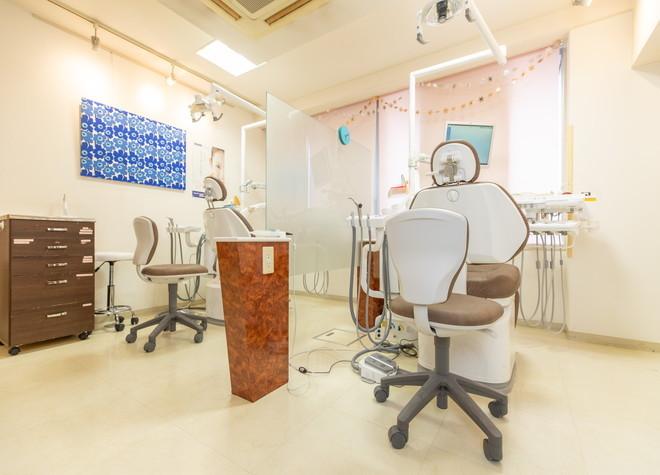 新橋駅 烏森口徒歩 5分 新橋赤レンガ通り歯科クリニックの治療台写真3
