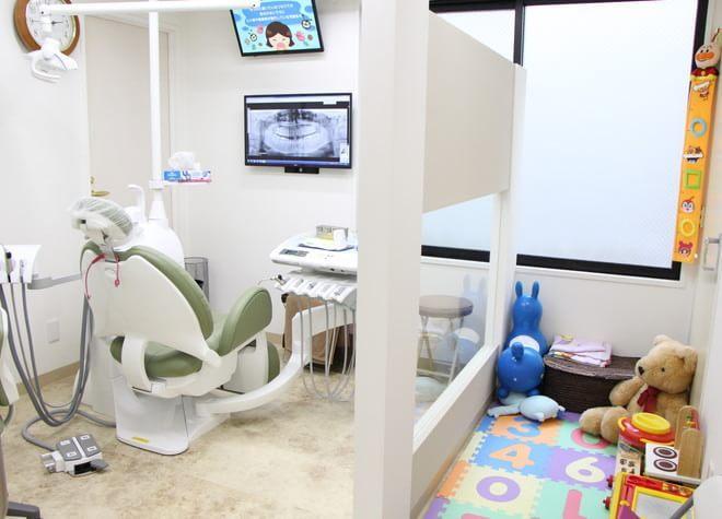 葛西駅 徒歩1分 クレア歯科医院の治療台写真2