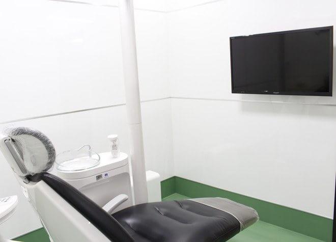 飾磨駅 出口徒歩 12分 イオンモール姫路リバーシティ歯科の治療台写真5