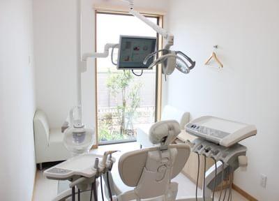 白塚駅 出口徒歩10分 とも歯科クリニックの院内写真1