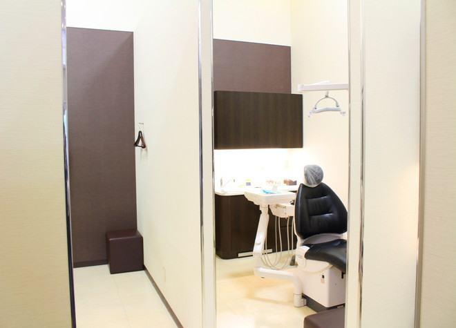 はりま勝原駅 出入口1徒歩 13分 イオンモール姫路大津歯科の治療台写真3