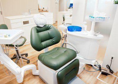 先進的な設備を備えた頼りがいのある歯のホームドクター