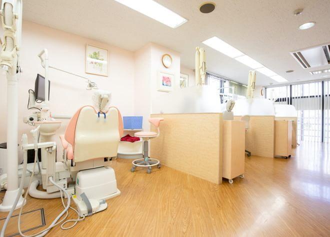 中野坂上駅 1番出口徒歩 5分 小林歯科クリニックの治療台写真5