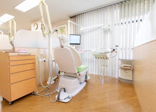 中野坂上駅 1番出口徒歩 5分 小林歯科クリニックの治療台写真6