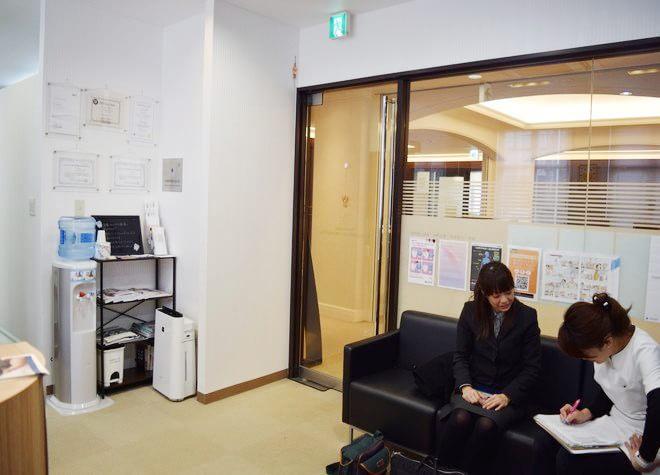 宝塚駅 出入口1徒歩 13分 デンタルクリニック サンタクルス ザ タカラヅカの院内写真2