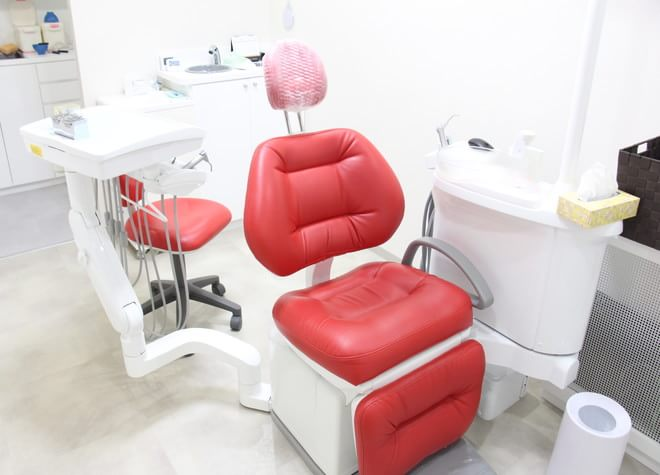 博多駅 出口徒歩 3分 博多プライベート歯科の治療台写真4