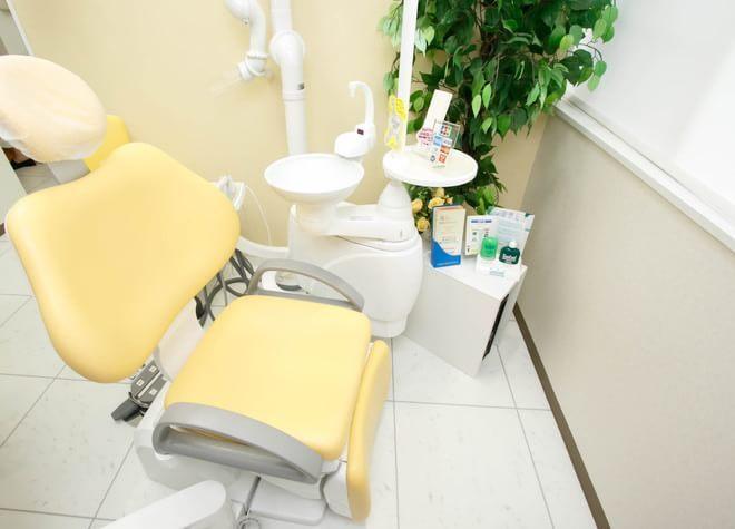 箕面駅 出口徒歩 5分 しずくいし歯科医院の治療台写真2