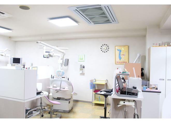 西条駅(広島県) 出口車 15分 ほんだ歯科医院 (東広島市、西条駅)の治療台写真6
