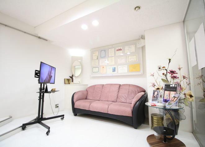 栄駅(愛知県) 16番出口徒歩 5分 高山歯科室の院内写真4