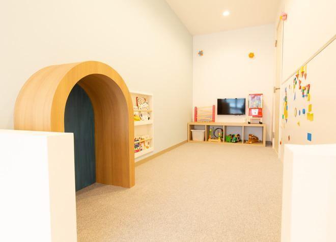 小平駅 北口徒歩 5分 ルミナス歯科クリニックの待合室の風景写真6