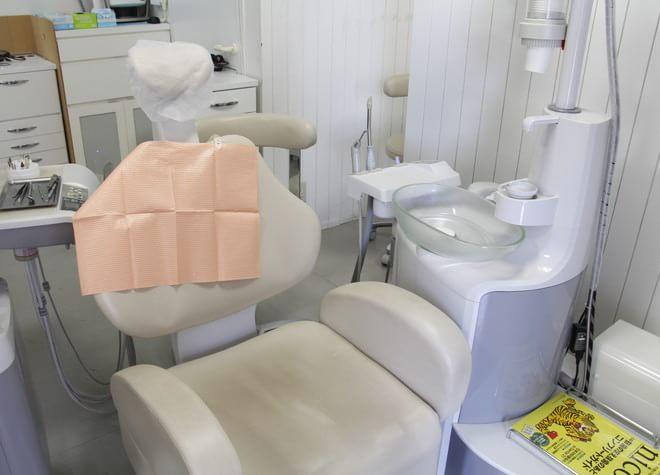 高安駅 出口徒歩 4分 医療法人 一艇会 もりかわ歯科・矯正歯科の治療台写真3