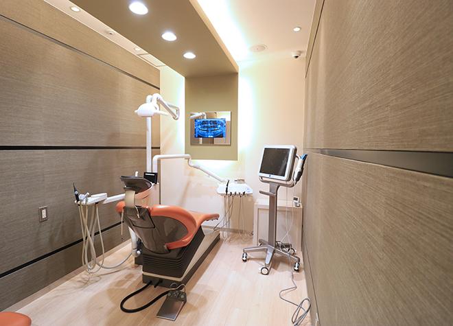 赤坂駅 徒歩7分 赤坂ヴィーナスデンタルクリニック〈AKASAKA VENUS DENTAL CLINIC〉の治療台写真5