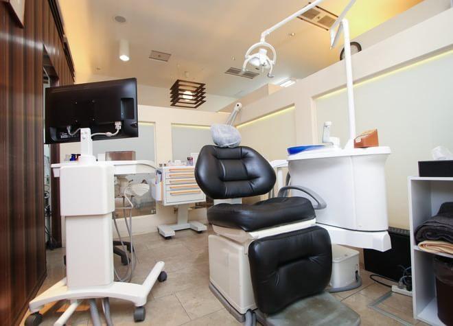 淀屋橋駅 10番出口徒歩 1分 淀屋橋ブライト歯科の治療台写真3