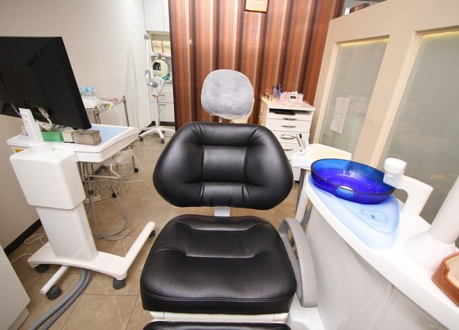 淀屋橋駅 10番出口徒歩 1分 淀屋橋ブライト歯科の治療台写真4