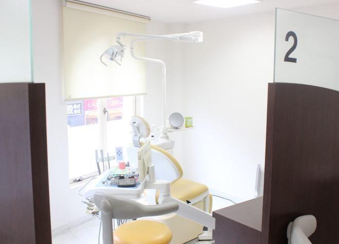 方南町駅 出口徒歩 1分 ファミーユ歯科の治療台写真7