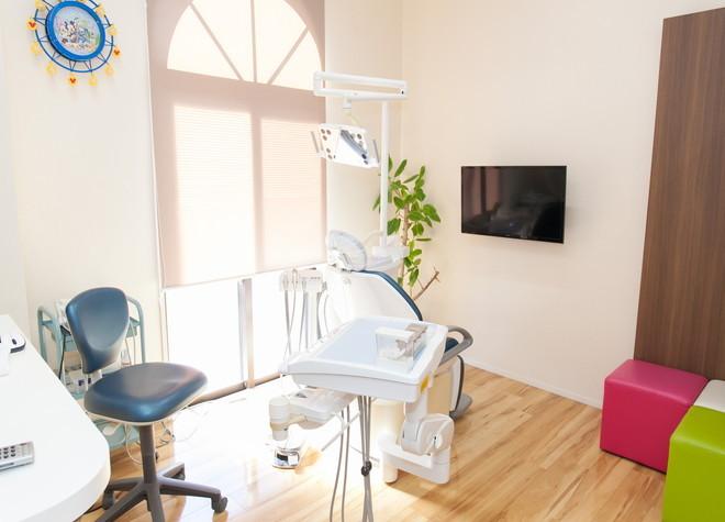 福大前駅 車 8分 いしばし歯科 小児・矯正歯科クリニックの治療台写真2