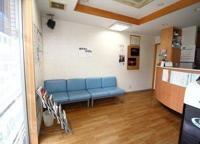 志木駅 出口徒歩 4分 わかば歯科クリニックの待合スペースの様子写真5