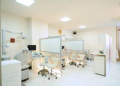 【尼崎市:尼崎駅 徒歩1分】 JR尼崎駅前やすだ歯科の治療台写真4