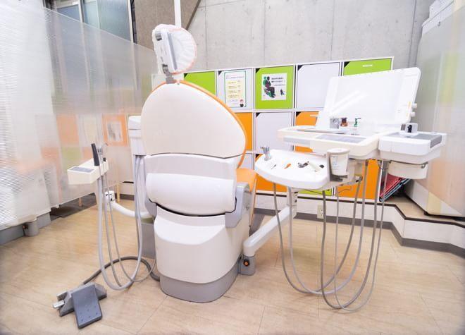 成増駅 南口徒歩 1分 歯科タケダクリニック成増ステーションの治療台写真5